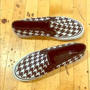 Houndstooth slip-ons